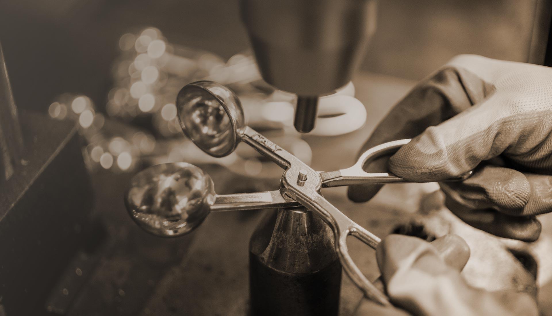 Valsesia Casalinghi lavorazione pinza per polpette